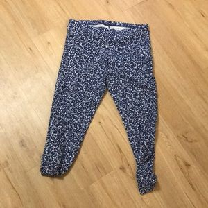 Floral print leggings from Old Navy size XL.